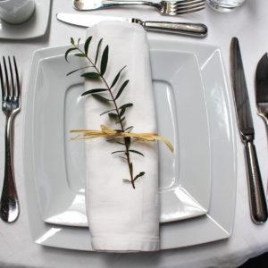 Serviette blanche en tissu